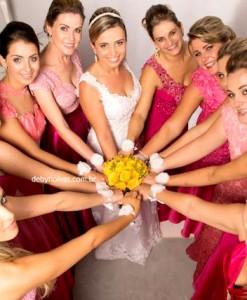 Corsage noivas e madrinhas com flor e pérolas