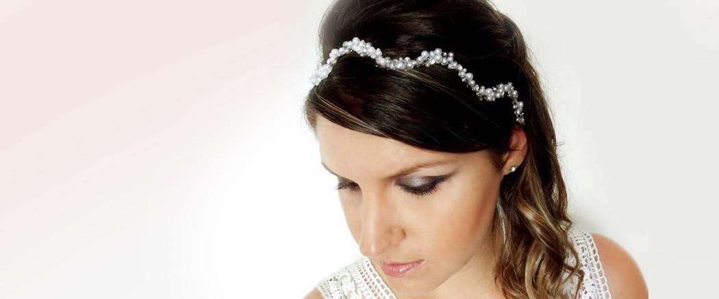 Tiara noiva de pérolas e strass ondulado