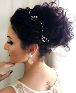 Tiara de noiva dourada gotas de perolas