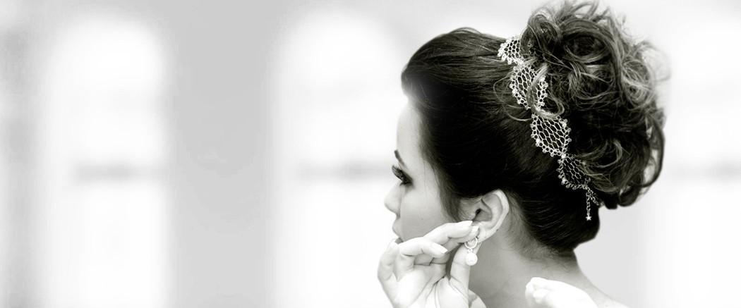 Tiara de noiva rendinha com laço