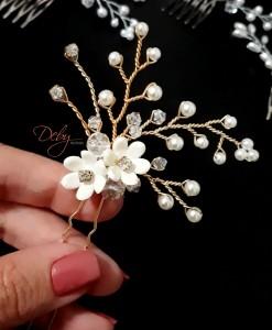 Arranjo de noiva duas flores e pérolas